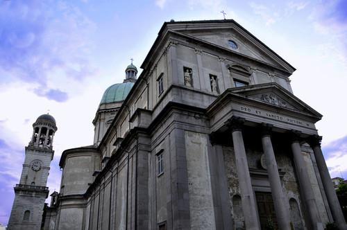 La basilica di Intra
