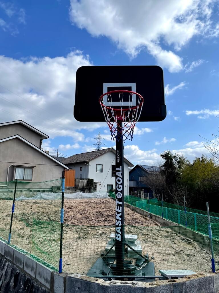 【施工前】バスケットボールコート ブロックフェンス工事