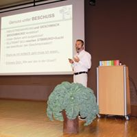Vortrag mit Dr. Neuburger im S'Zentrum mit gut 100 Besuchern