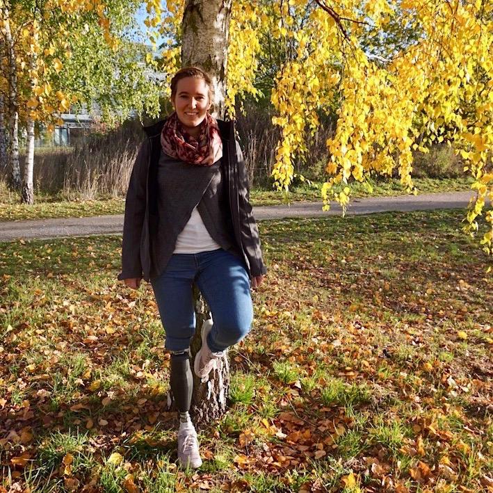 Möglichst natürlich, schmerzfrei und in allen Lebenslagen auf den Beinen sein zu können - für Jasmin ist das Lebensqualität (picture courtesy of Jasmin Lindenmaier)