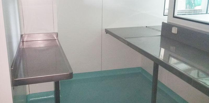 intégration plans de travail en laboratoire