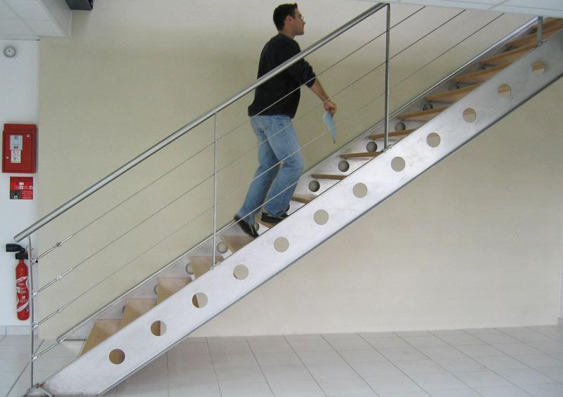 escalier metal et bois - bureaux professionnels