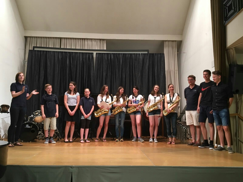 Unsere Jugendreferentin Livia Balcar gratulierte zu den erfolgreich absolvierten Übertrittsprüfungen beim Musikschul-Abschlusskonzert