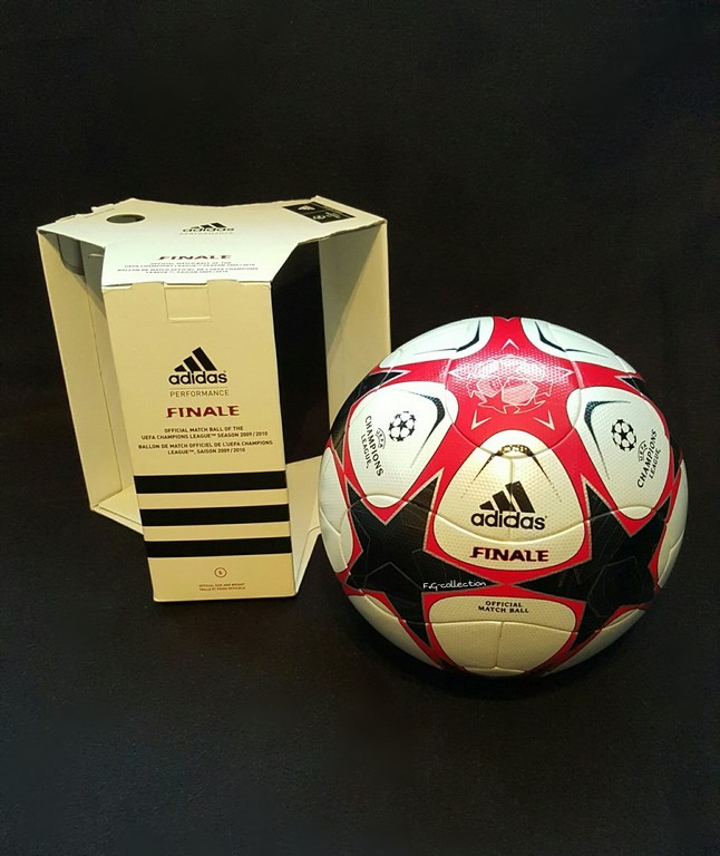 Der offizielle Spielball der ADIDAS Champions League Final Ball vom Finale 2009/10 in Madrid.