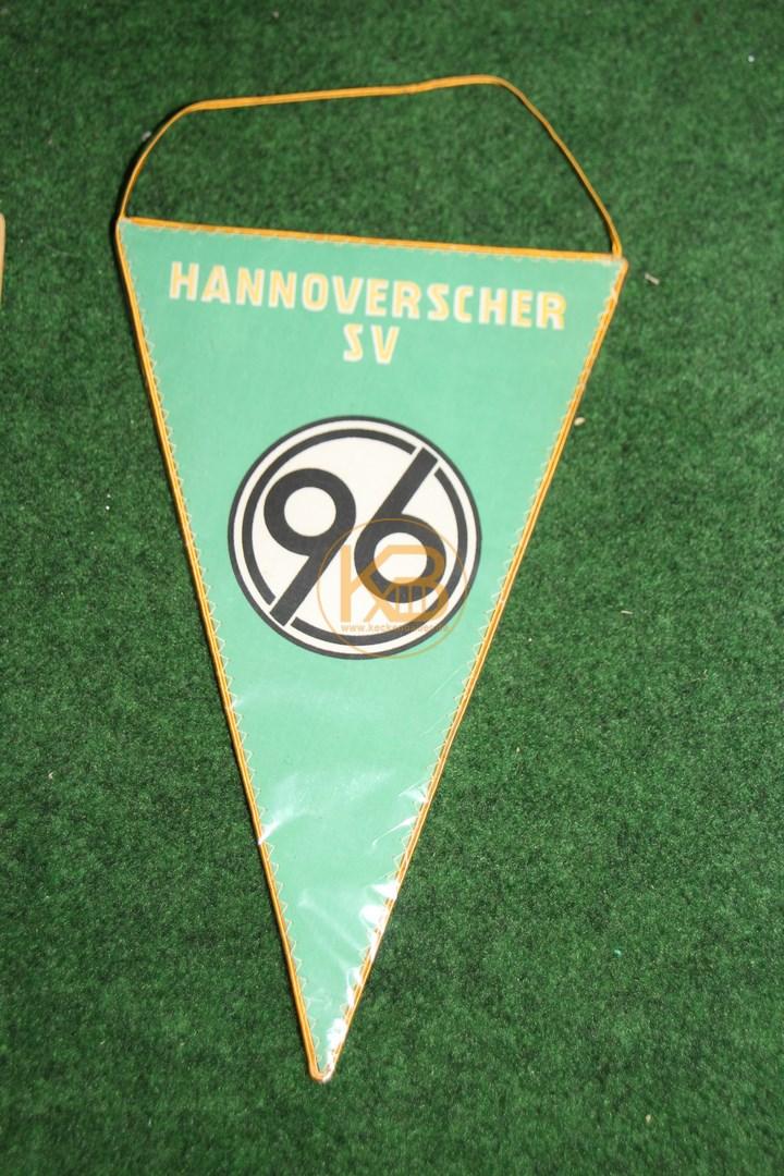 Ein alter Wimpel von Hannover 96, vermutlich aus den 70er Jahren.