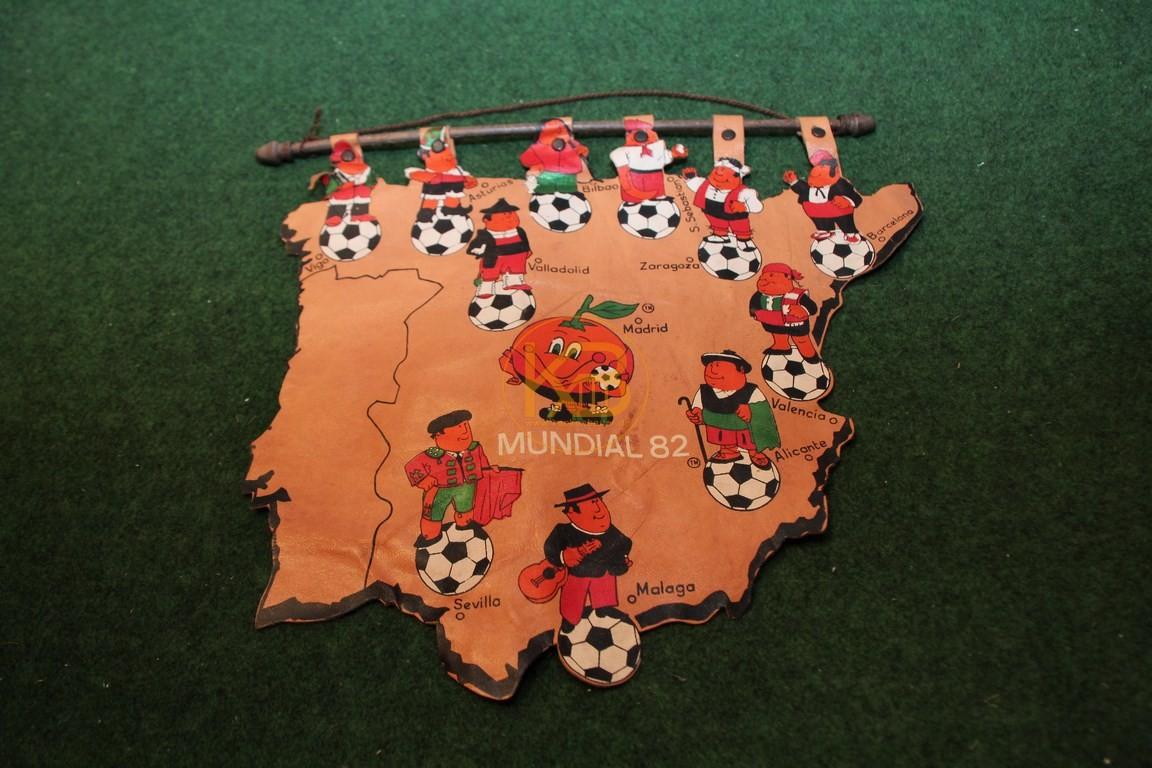 Leder mit den Städten der WM 1982 in Spanien.