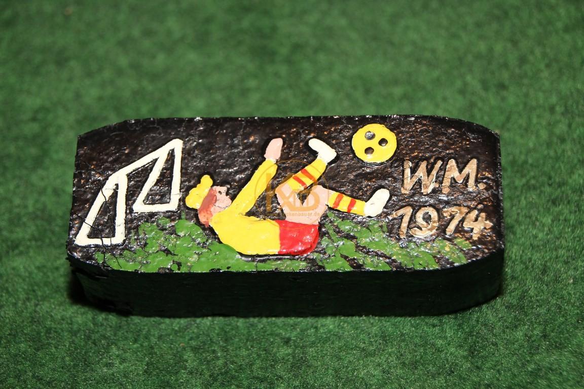Holzkohlewerbung zur Weltmeisterschaft 1974 in Deutschland.