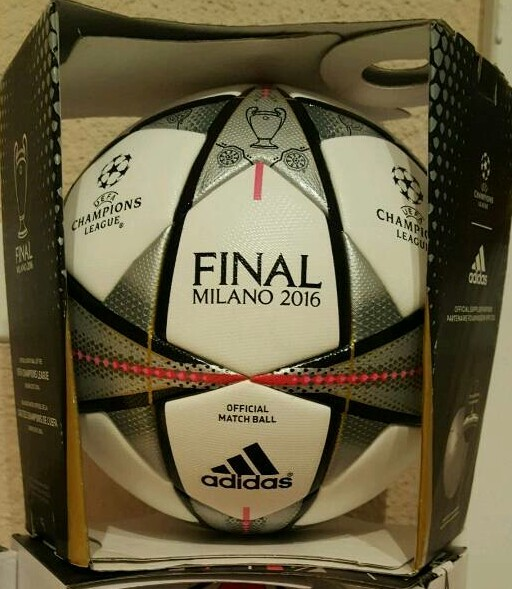 Final Milano der ADIDAS Champions League Final Ball vom Finale 2015/16 in Mailand mit Originalverpackung.