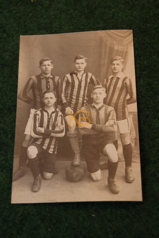 Foto junger Fußballer aus Pforzheim 1915.