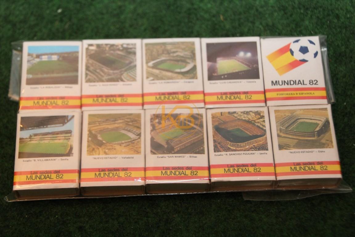 Streichholzschachteln zur WM 1982 in Spanien mit den Bildern der Stadien.