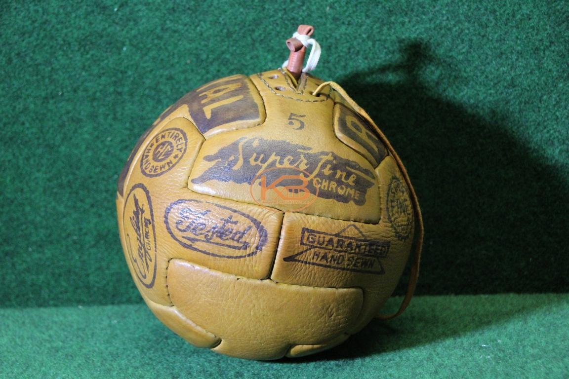 Ball des sogenannten Royal T-Modells vermutlich aus 1940er Jahren