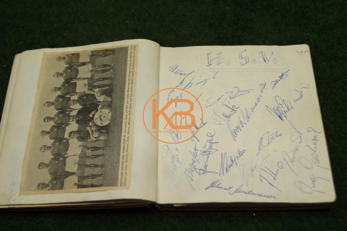 Zeitungsbilder vom HSV und die original Autogrammen aus dem Jahr 1964
