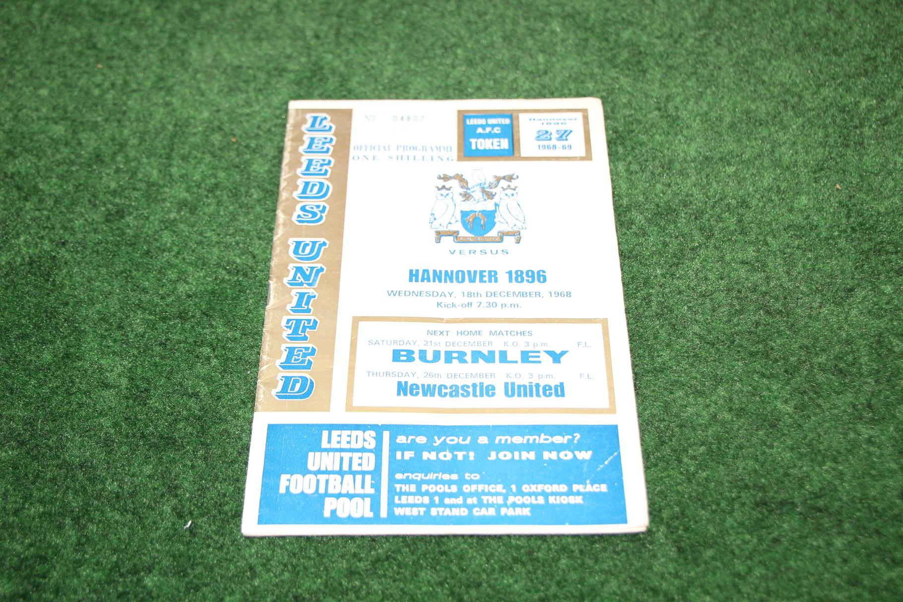 Offizielles Programm von Leeds United gegen Hannover 96.