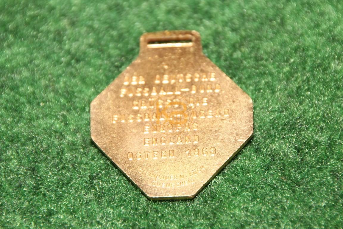 Erinnerungsmedailie an die Fussball Jugend Europas vom Oster Turnier 1969 in England. 2/2