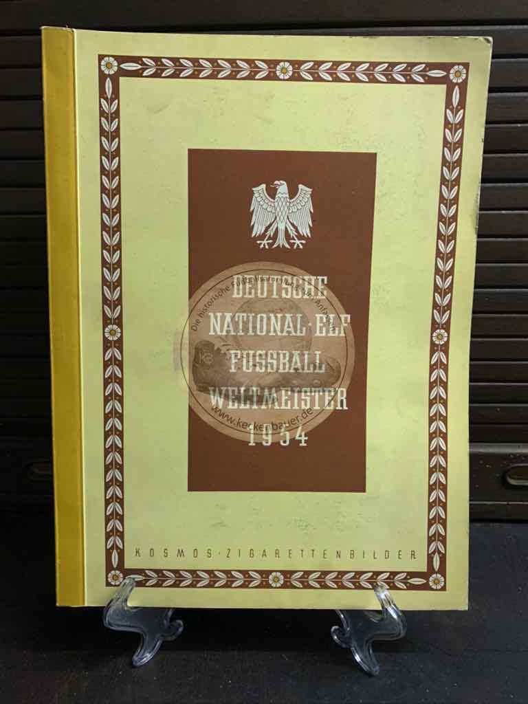 Deutsche National-Elf Fußball Weltmeisterschaft 1954 im einwandfreien Zustand, natürlich vollständig.