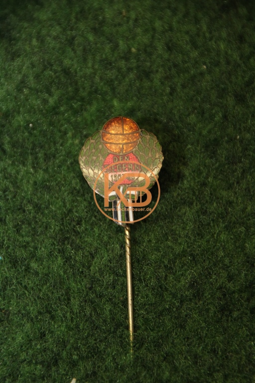 Meisternadel zum Gewinn der Stadtmeisterschaft Hannover der Saison 1907/08 durch Hannover 96