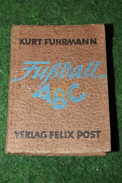 Fußball ABC von Kurt Fuhrmann aus dem Jahr 1947.
