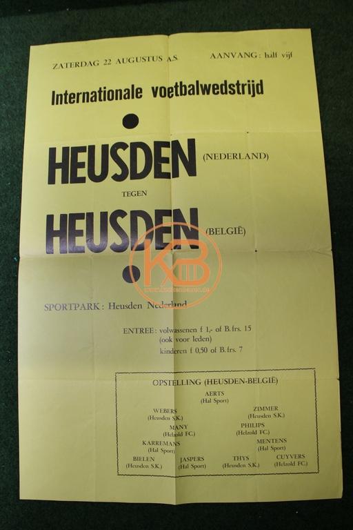 Spielankündigungsplakat aus den 1960ern. Van Heusden gegen Heusden. Ein besonderes internationale Spiel, Heusden Niederlande gegen Heusden Belgien.
