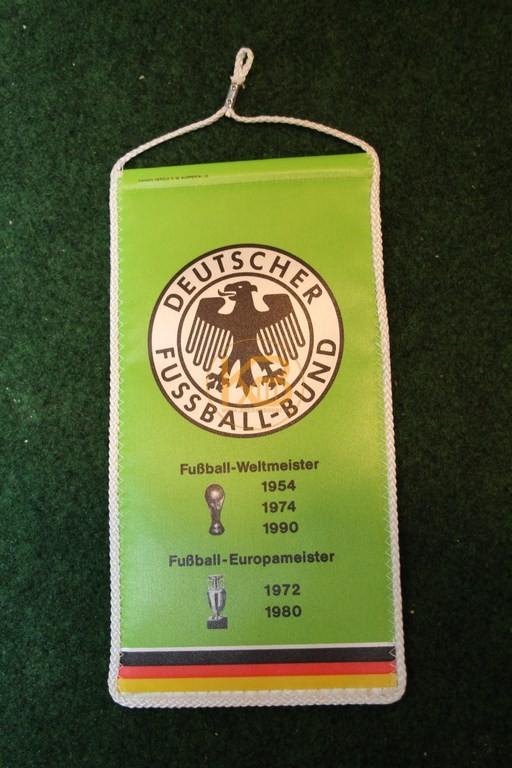 Alter DFB Wimpel aus den 90ern.