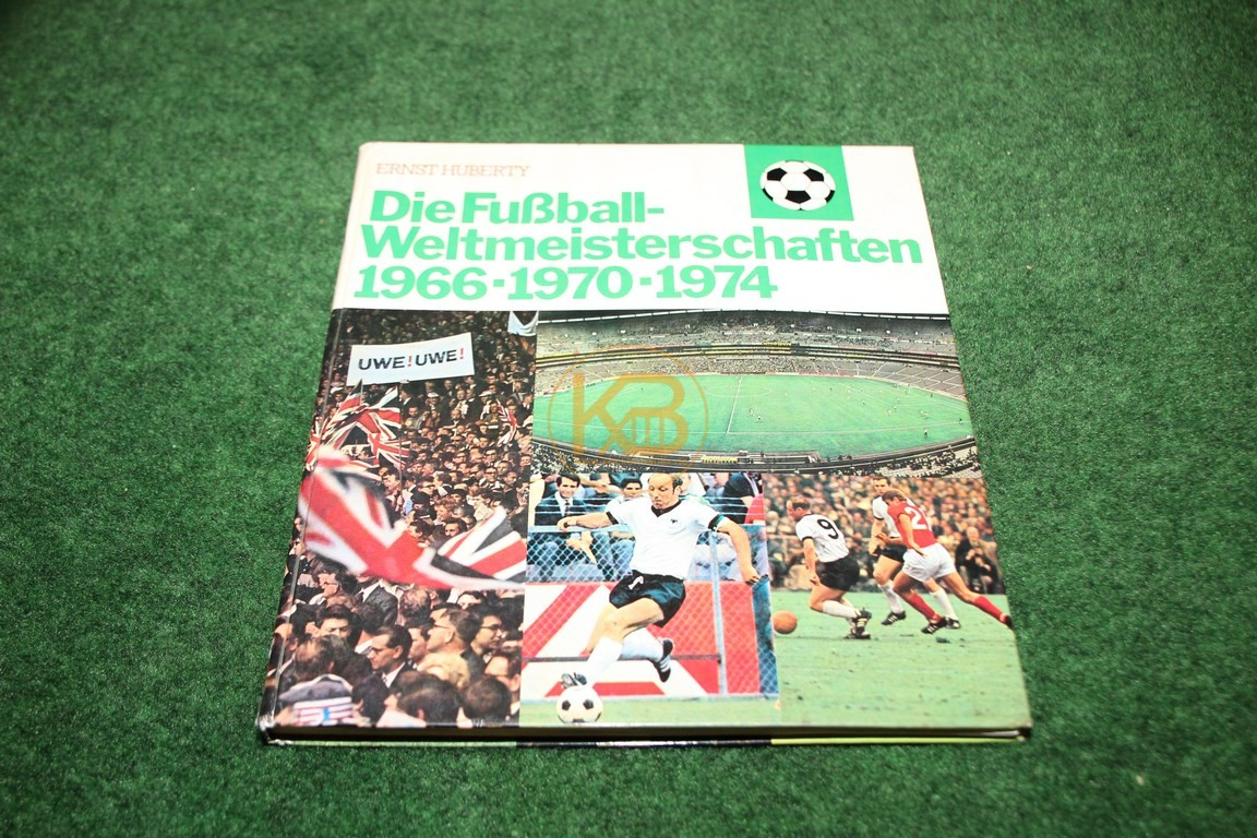 Die Fußball Weltmeisterschaften 1966-1970-1974 von Ernst Huberty Sammelalbum natürlich komplett.