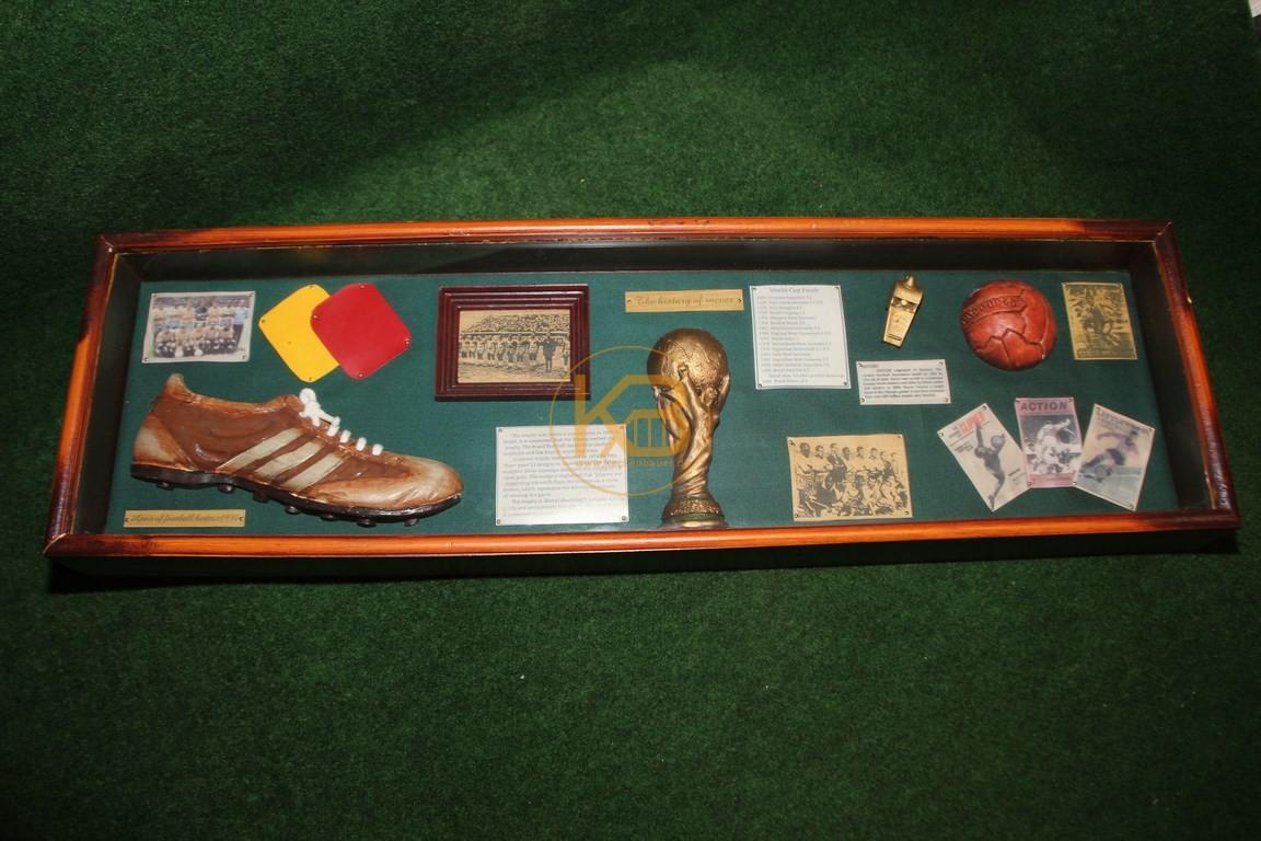 Dekorativer Schaukasten zum Thema Fußball im Quer-Format.