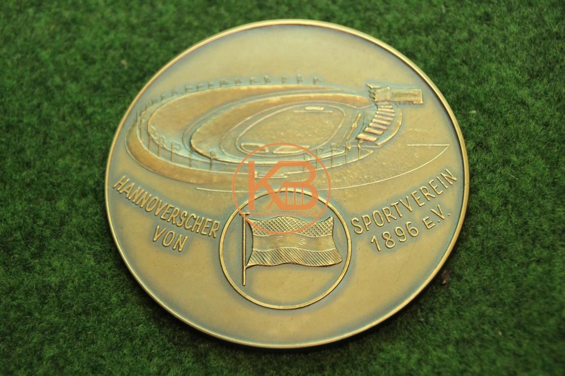 Medaille von Hannover 96 vermutlich von einer Leichtathletikveranstaltung 1/2