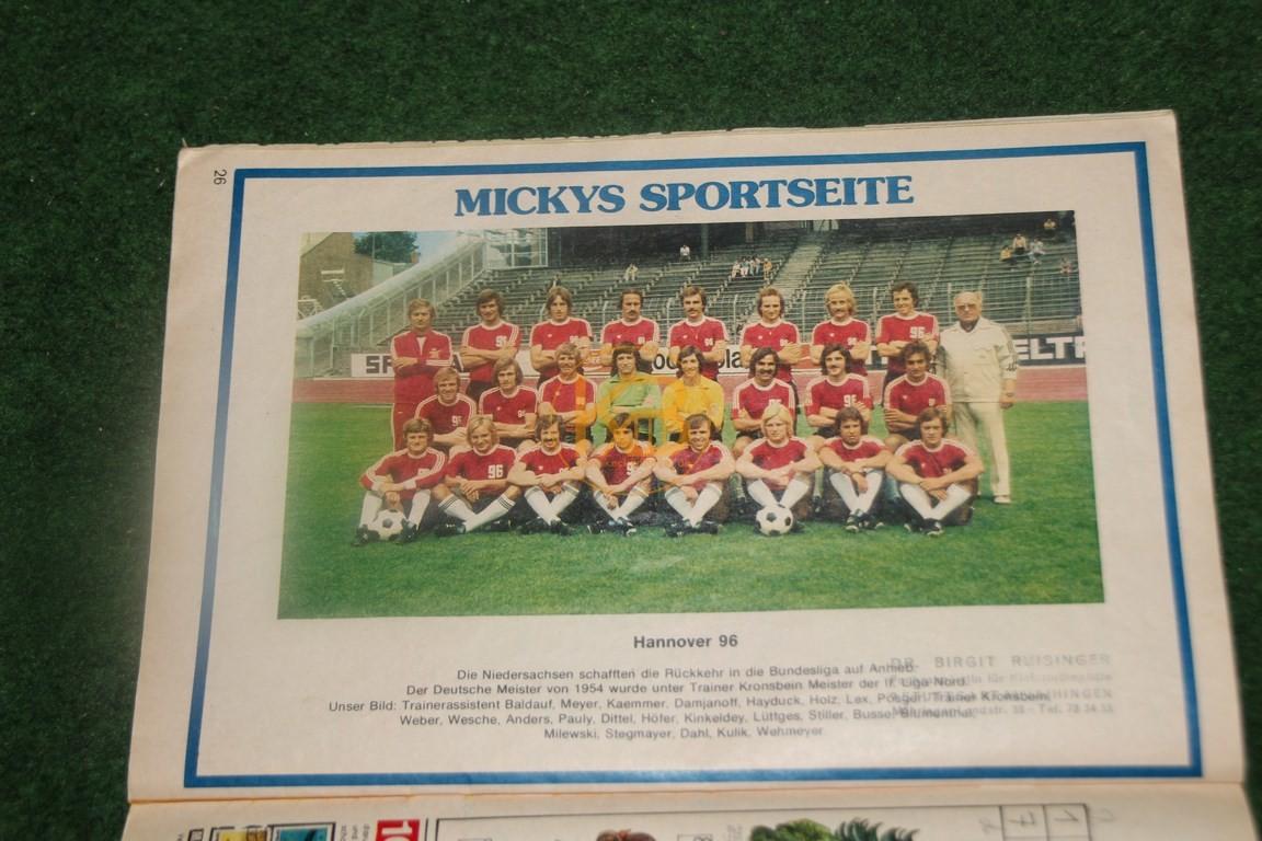 Altes Mickey Maus Heft mit dem Mannschaftsfoto von Hannover 96. 2/2