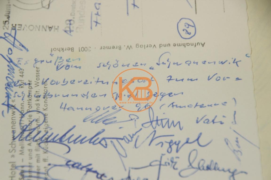 Postkarte mit den original Autogrammen vom BC Augsburg von dem Finale der deutschen Ama-teurmeisterschaft gegen Hannover96 (Amateure) aus dem Jahr 1965 2/2