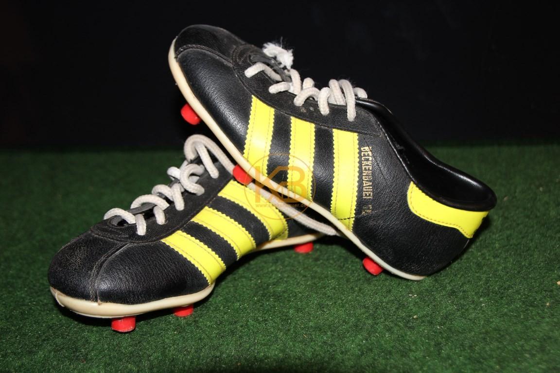 Ein doppeltes Paar Adidas Beckenbauer SL was ich über ein großes Online-Auktionshaus abgegeben habe.