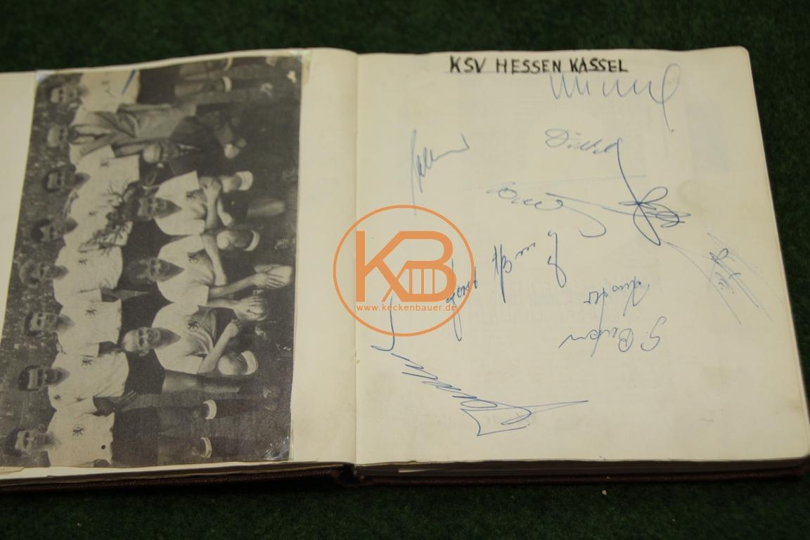 Zeitungsbild vom KSV Hessen Kassel mit den original Autogrammen aus dem Jahr 1963