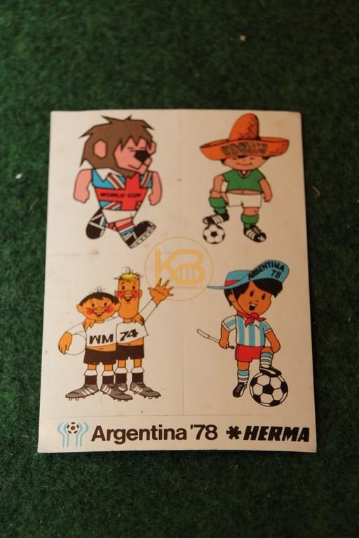 Aufkleber der WM 1978 in Argentinien mit den bis Dato vier Maskottchen.