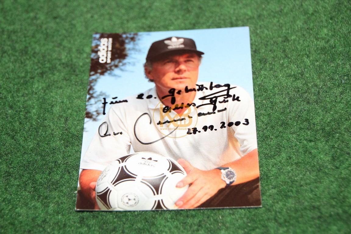 """""""Profi"""" Lederball mit den original Unterschriften der Weltmeister von 1990, es war ein Geschenk von Franz Beckenbauer an eine nicht zu nennende Person (siehe Karte) 1/2"""