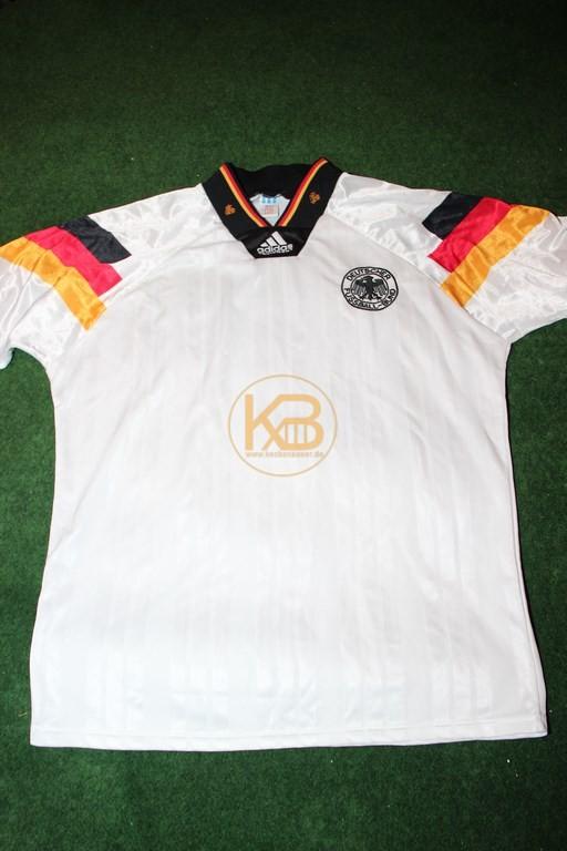 """DFB Nationaltrikot in der """"Heim"""" Variante zu EM 1992 von Adidas."""