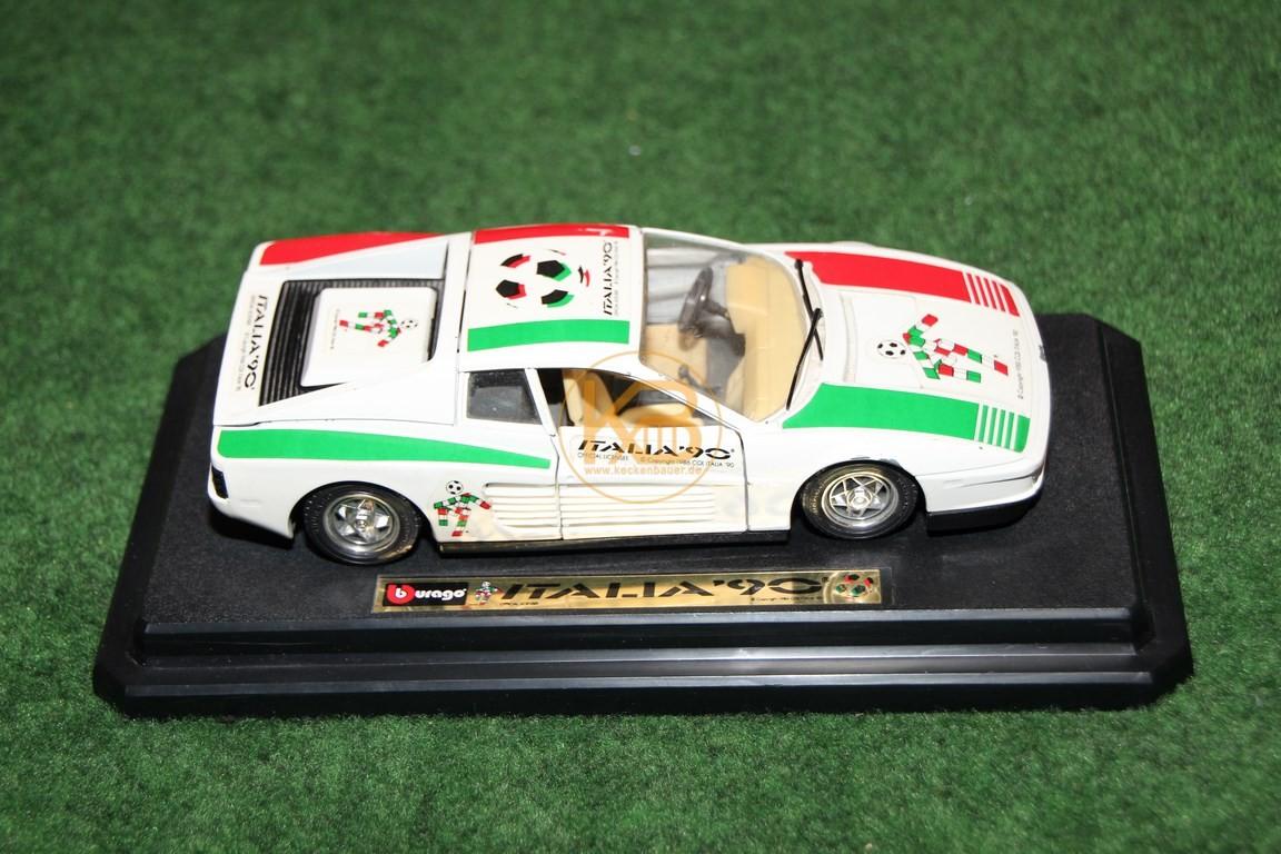Ferrari im Design der Weltmeisterschaft 1990.