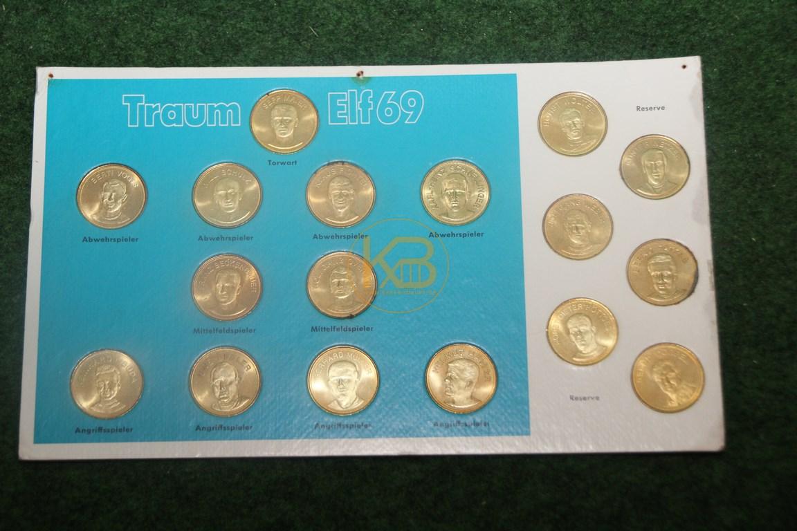 Sammelmünzen Traumelf 69 im 4/2/4 System in blau