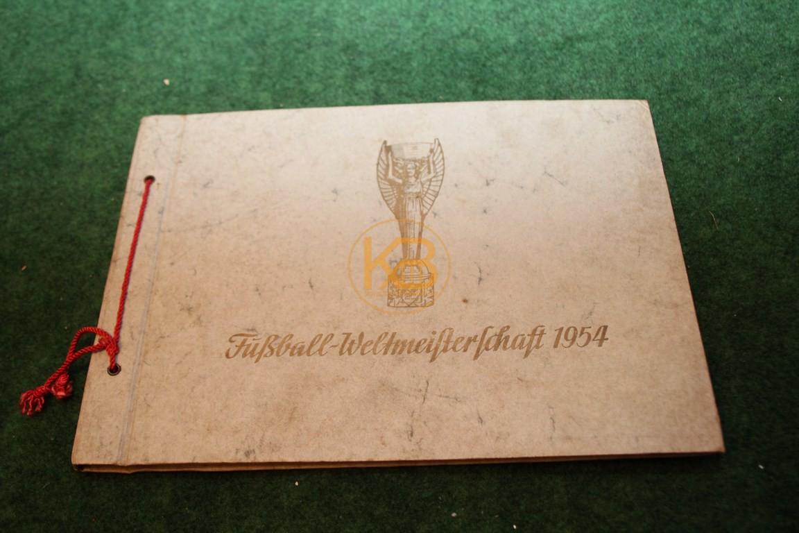 Fußball-Weltmeisterschaft 1954 Herausgegeben von Böninger Tabakfabriken Duisburg selbstverständlich mit allen 80 Sammelbildern.