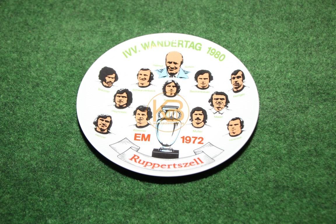 Wandteller zur Europameisterschaft 1972 in Belgien.