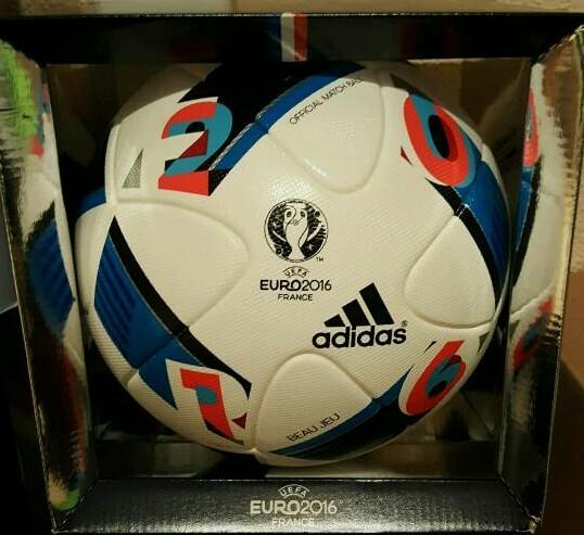 ADIDAS Beau Jeu der offizielle Spielball von der EM 2016 in Frankreich mit Originalverpackung.
