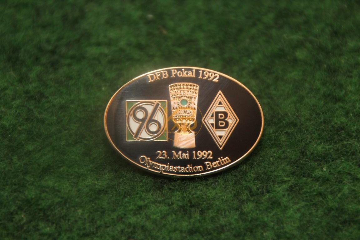 Pin zum DFB Pokalfinale 1992 zwischen Hannover 96 und Borussia Mönchengladbach.