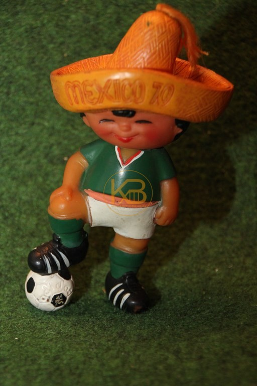 WM Maskottchen Juanito der WM 1970 in Mexico hier als Spardose von der Bank für Gemeinwirtschaft (BfG).