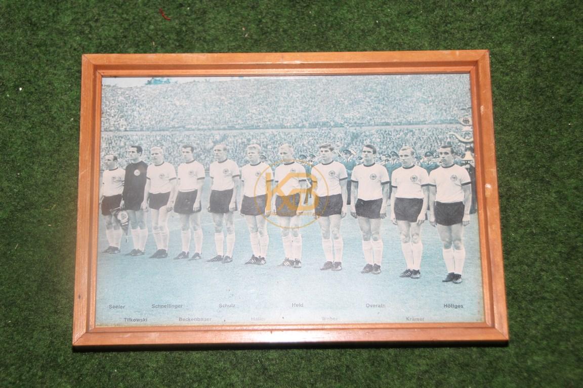 Altes Bild der deutschen Nationalmannschaft aus den 1960ern.