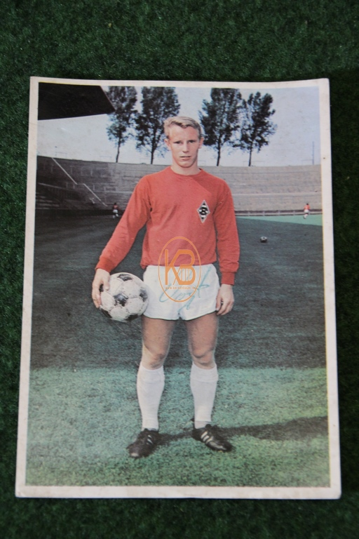 Original Autogrammkarte von Hans Hubert (Berti) Vogts im Trikot von Borussia Mönchengladbach