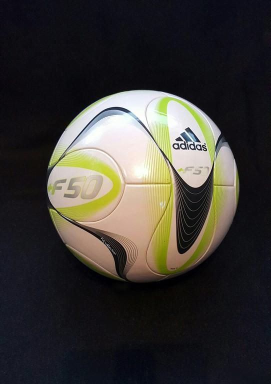 ADIDAS +F50 ein offizieller Spielball von 2010.