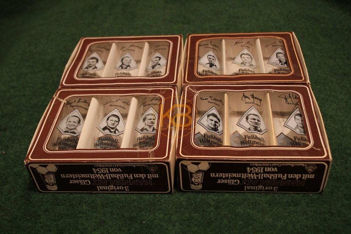 Sammelgläser zur WM 1954 von Hannen Alt in der Originalverpackung.