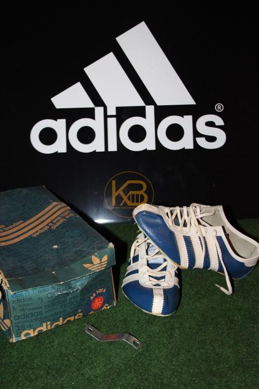 """Den Adidas Avanti inkl. Originalverpackung abgegeben an die Ausstellung """"Die 70er. Damals war Zukunft"""" auf der Schallaburg in Österreich"""