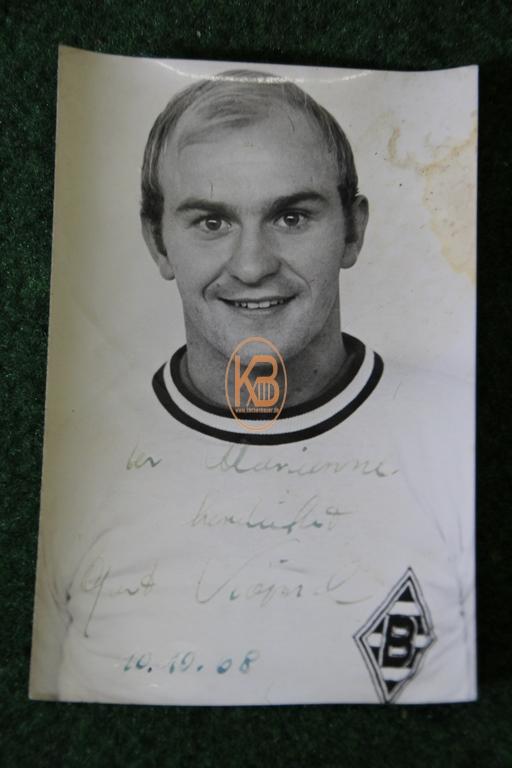 Original Autogrammkarte von Horst Köppel im Trikot von Borussia Mönchengladbach