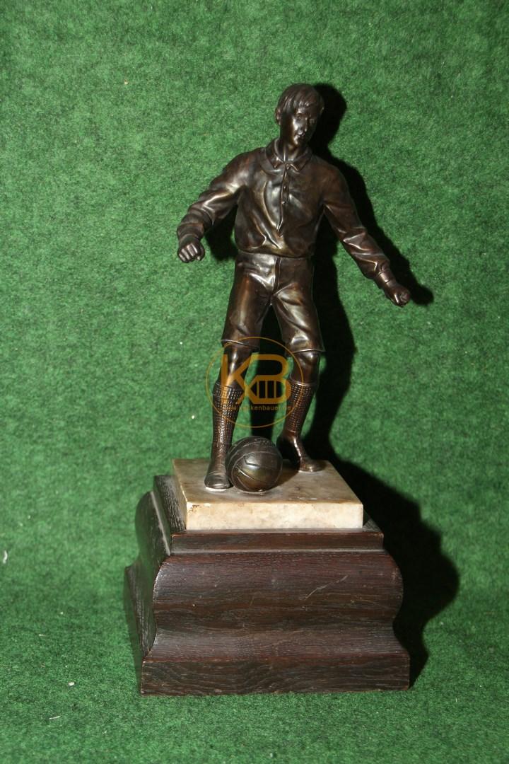 Alte Fussballer Figur auf Sockel ca. 1940er Jahre Bronziert