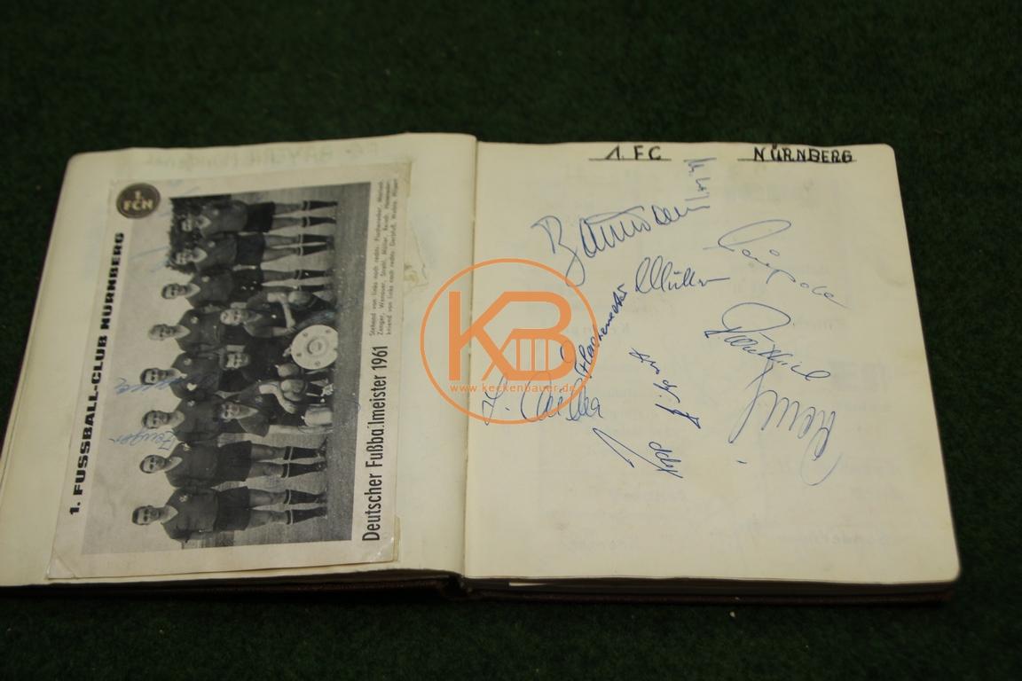 Postkarte vom 1. FC Nürnberg mit den original Autogrammen aus dem Jahr 1963