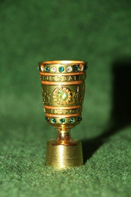 Original Miniaturnachbildung des DFB-Pokals des deutschen Pokalsiegers.
