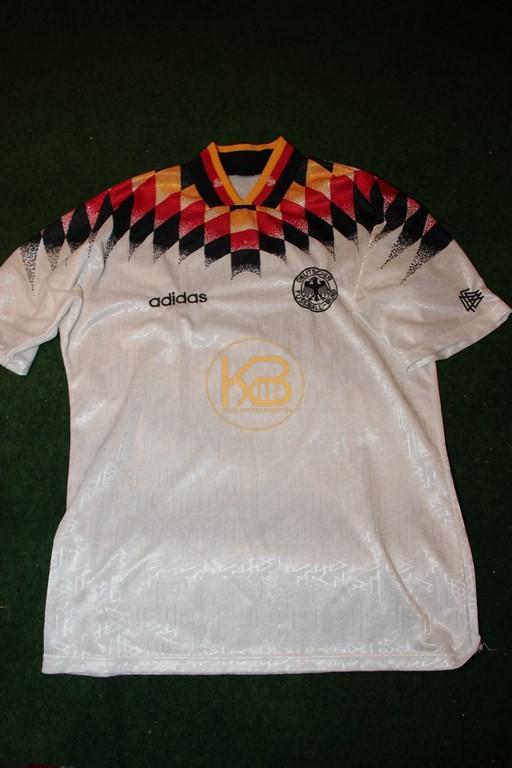 """DFB Nationaltrikot in der """"Heim"""" Variante zu WM 1994 von Adidas."""